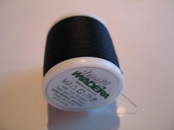 Madeira Aerofil, No.120 400m, Farbe 8000, schwarz