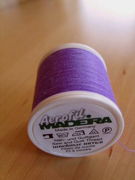 Madeira Aerofil, No.120 400m, Farbe 8320, lila
