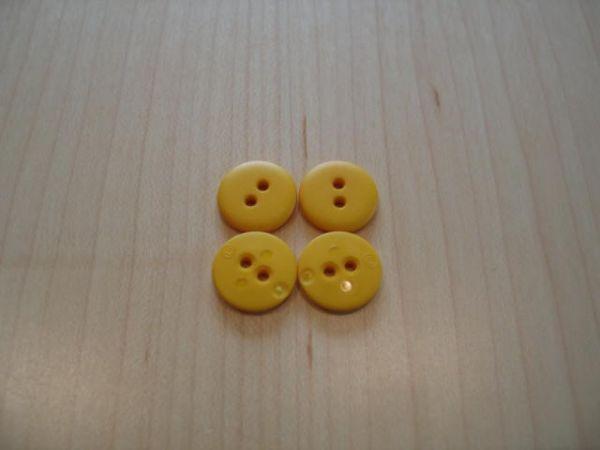 Union Knopf, Knopf 2-Loch 15mm gelb