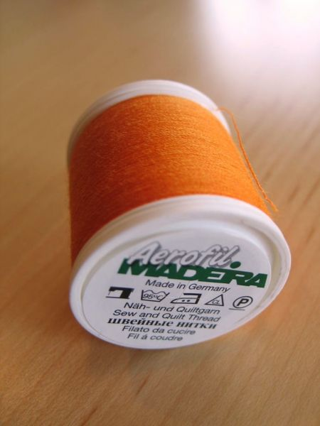Madeira Aerofil, No.120 400m, Farbe 8765, orange